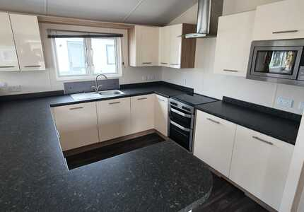 1693 Willerby Clearwater Lodge ( 2014)-image-3