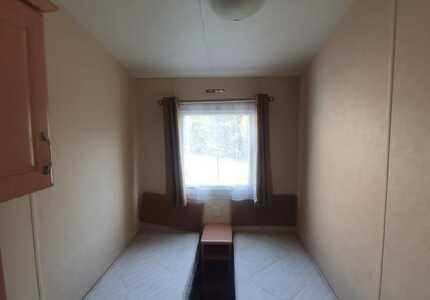 1851 Delta Bromley ***4 Bedrooms*** ( 2011)-image-2