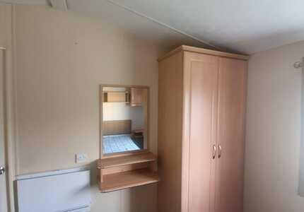 1851 Delta Bromley ***4 Bedrooms*** ( 2011)-image-9